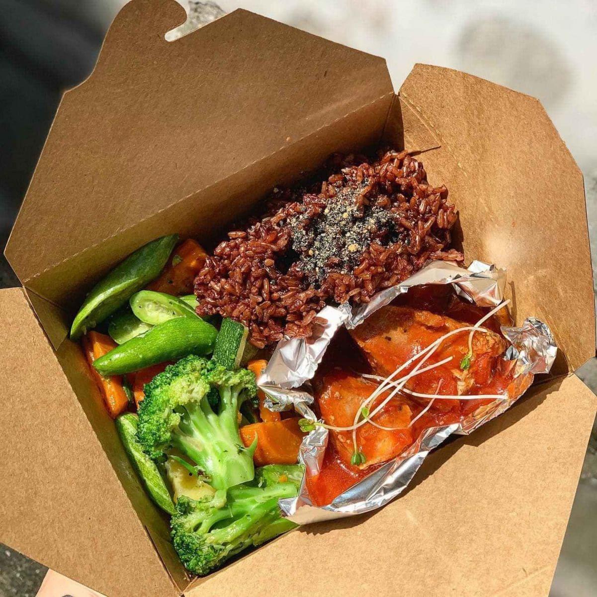 Mẫu hộp giấy cứng đựng thức ăn nóng