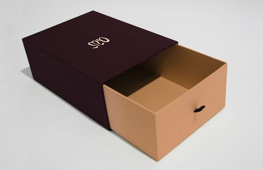 Lợi ích thiết kế và in ấn hộp cứng