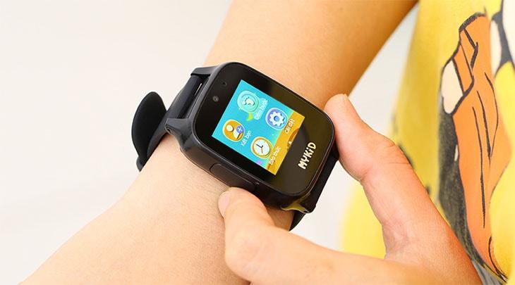 Hộp cứng Smartwatch - Lời cảnh báo cho những bậc phụ huynh