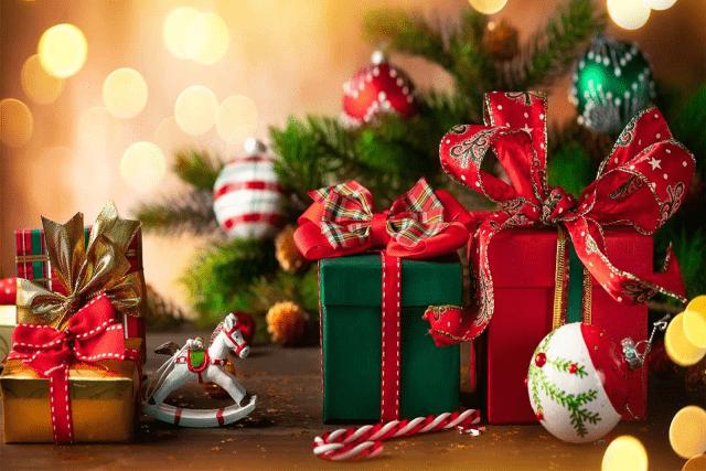 Hộp quà tặng Giáng Sinh - Gợi ý 3 mẫu hộp quà lung linh độc đáo
