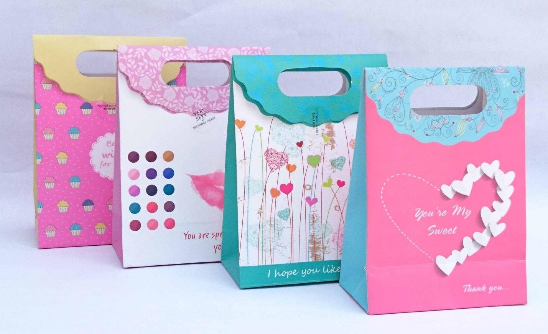 Túi giấy quà tặng - Một số kiểu túi giấy đựng qùa đẹp và lạ