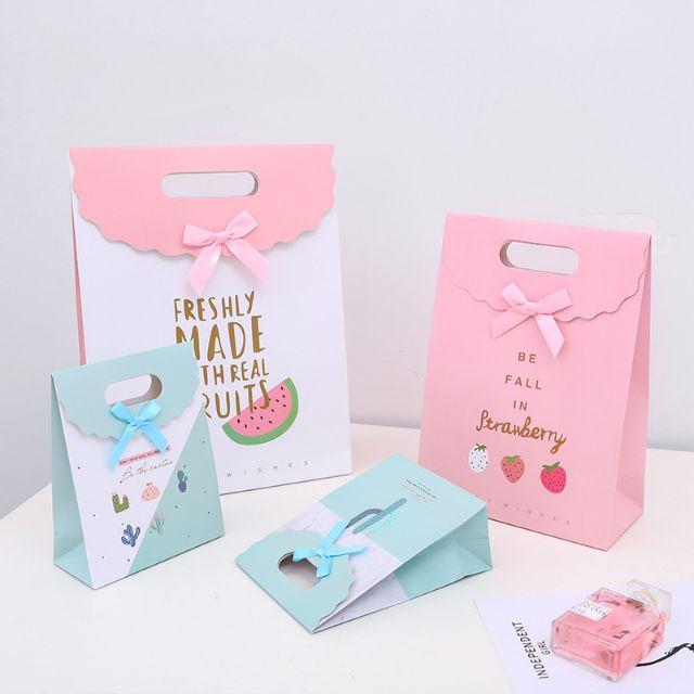 Một vài mẫu in túi giấy đựng quà được ưa chuộn nhất năm 2021