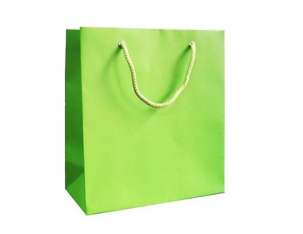 Màu xanh lá - Tượng trưng ý nghĩa sức khỏe, êm đềm và tươi mát