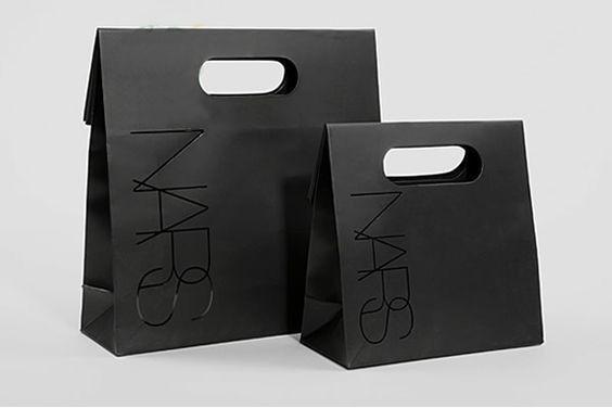Mẫu túi giấy đựng mỹ phẩm không có quai rời