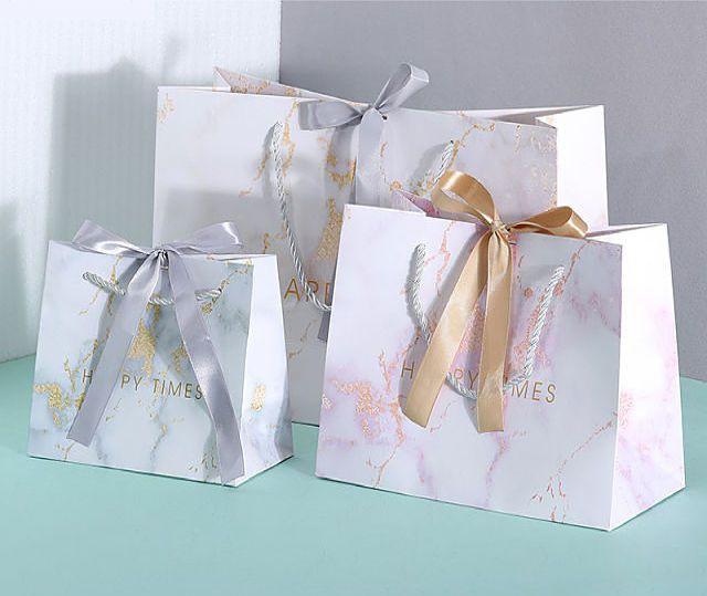 Túi giấy sản xuất theo ngành hàng đựng quà